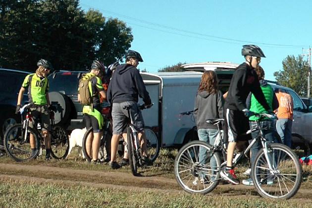 Bikers prepare for jail trail race