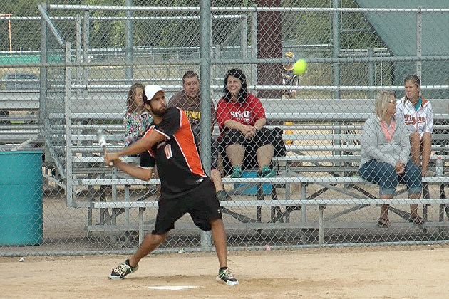Teams Compete for 2013 Men's Slow Pitch North American Championships