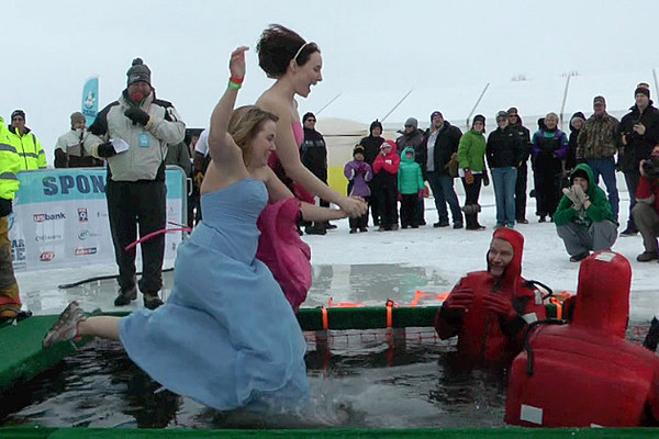 teams jump into ice cold water for good cause during st cloud polar bear plunge video. Black Bedroom Furniture Sets. Home Design Ideas