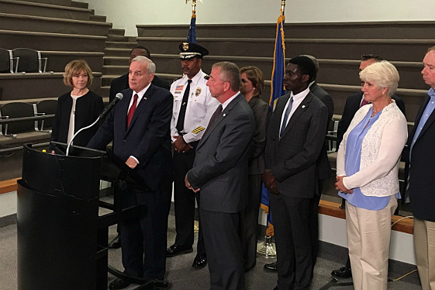 Governor Mark Dayton, St. Cloud Mayor Dave Kleis and St. Cloud Police Chief Blair Anderson speaking at a news conference following Crossroads attack - WJON News