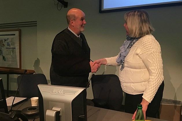 Jeff Goerger congratulates Carol Lewis on being voted council president. (Chrissy Gaetke, WJON)