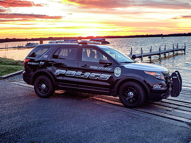 Forest Lake reaches tentative deal to keep police force