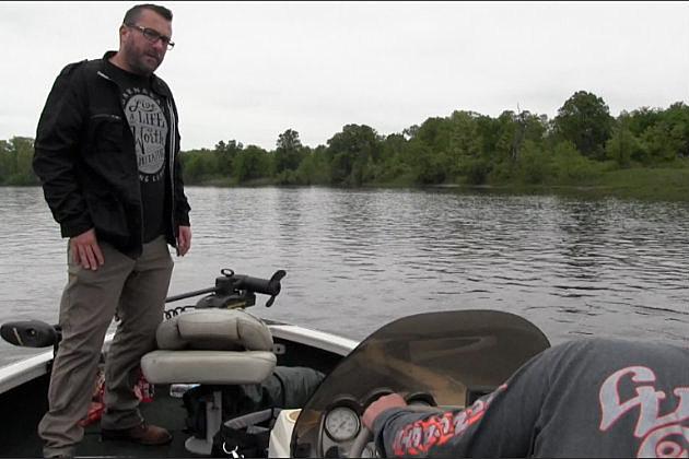 Searching the Mississippi River for Aaliyah Kazimer. (Chrissy Gaetke, WJON)