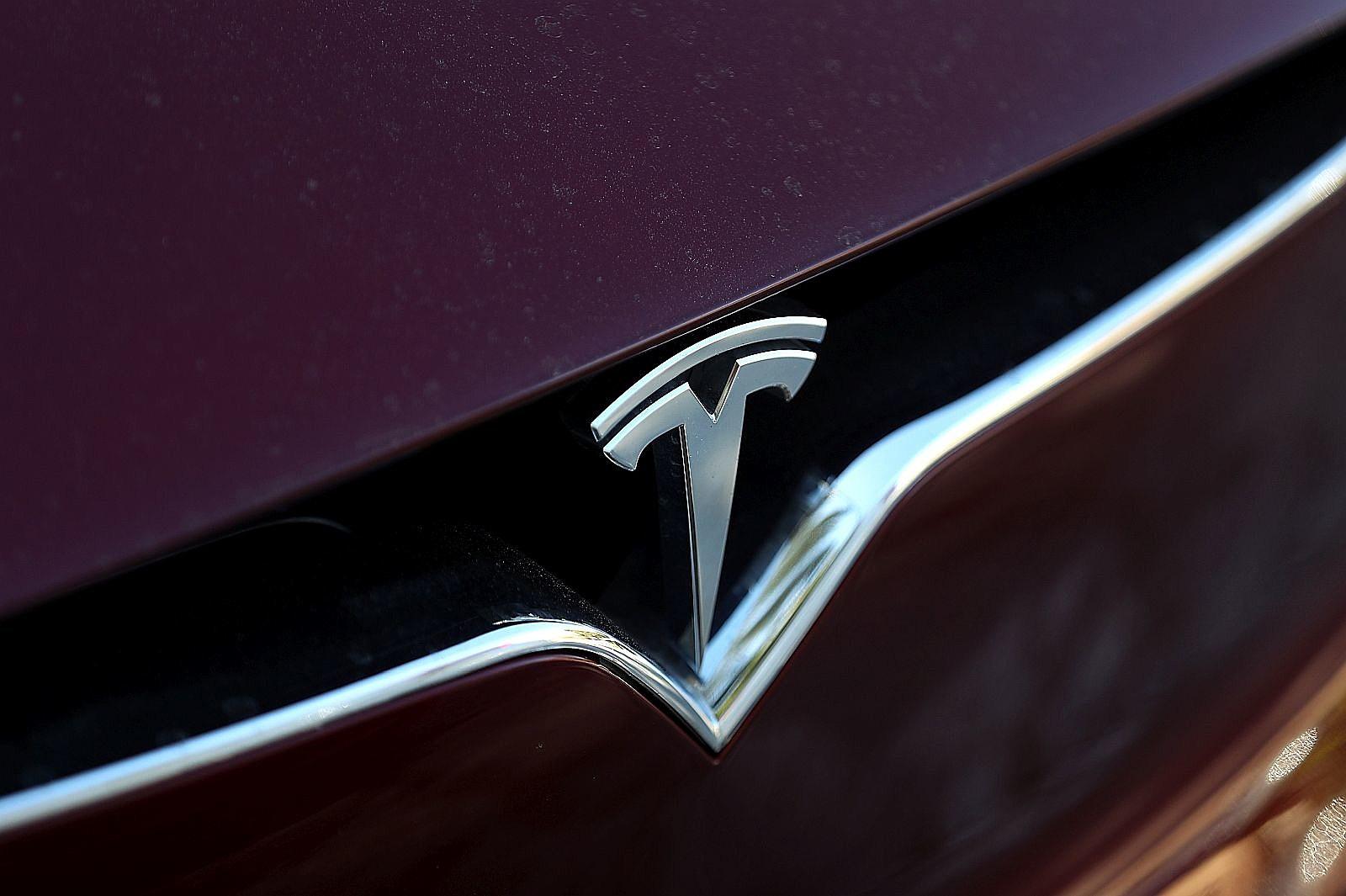 Tesla s autopilot feature blamed for kandiyohi county crash