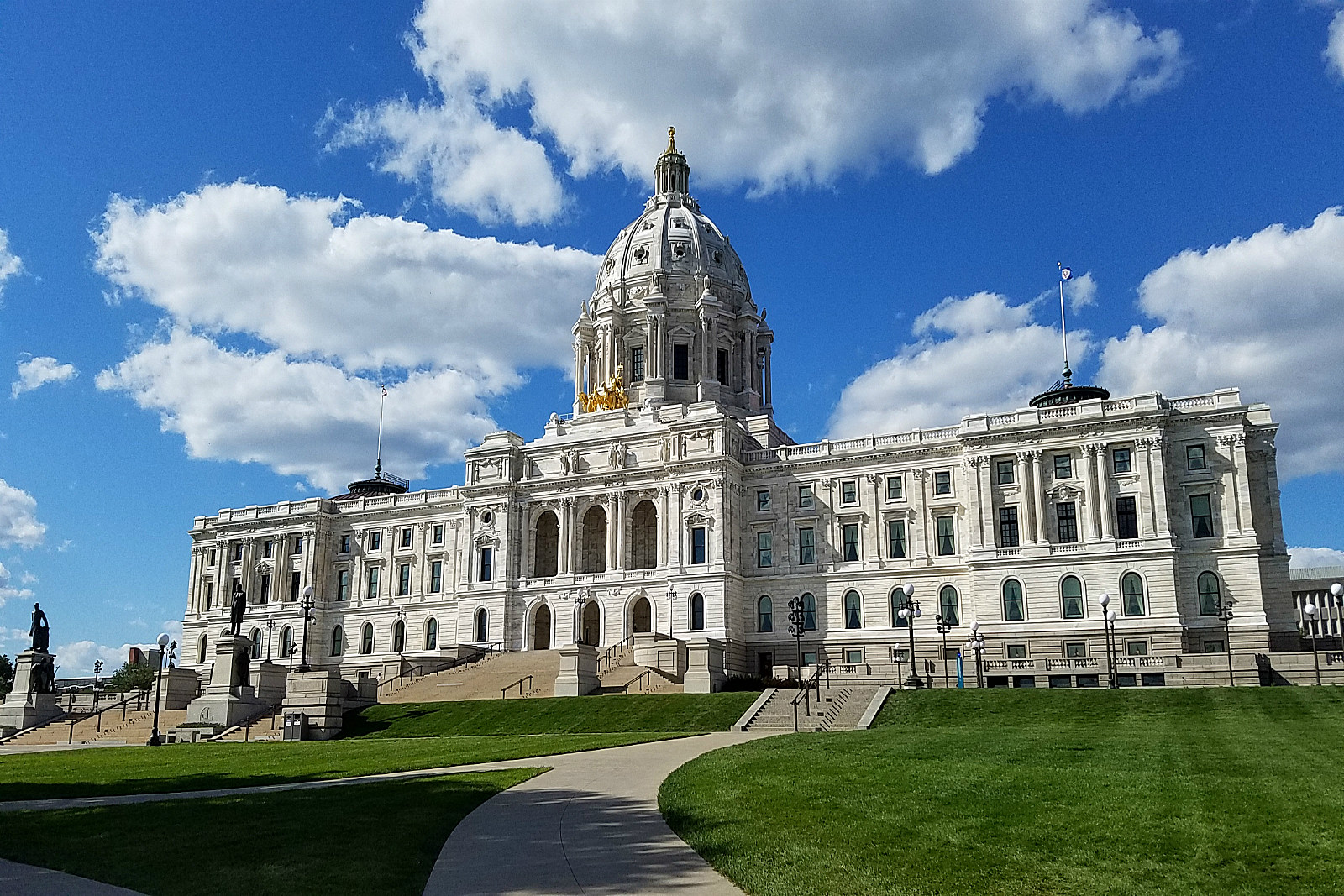 Mediation Falls Apart in GOP's Veto Battle With Dayton