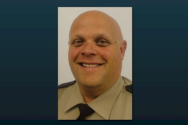 El Condado de Hennepin Diputado Vies para el Sheriff del Asiento - WJON Noticias 1